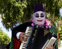 Continue reading Photographs from the The Doo Dah Parade:  Pasadena California